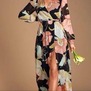 NWT Lulus long sleeve black floral print maxi